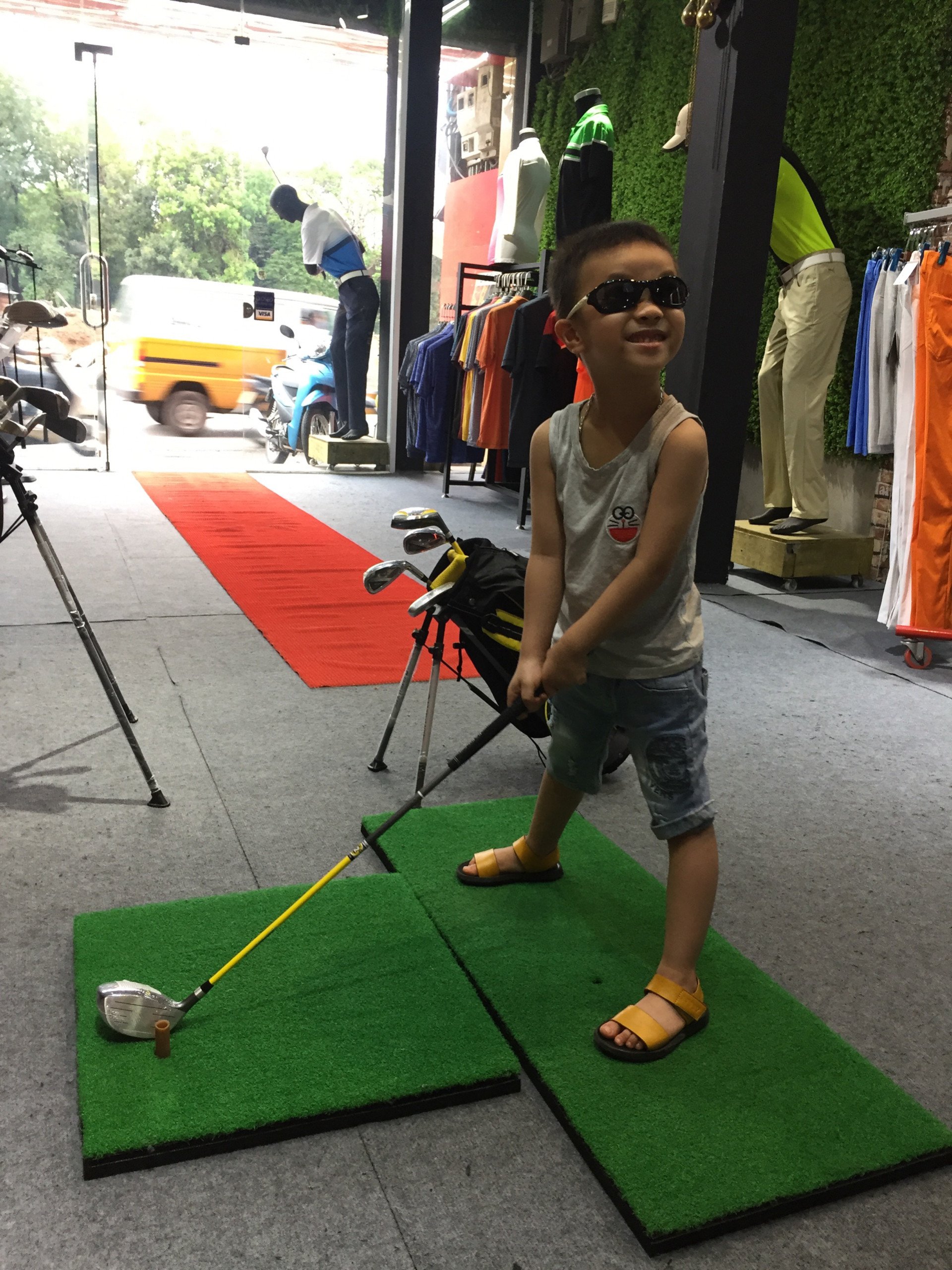 golf thiếu nhi.jpg